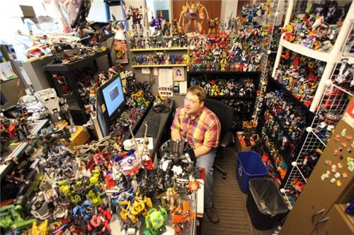 Gusto niyang pinapanuod siya ni Optimus Prime habang nag poporno.